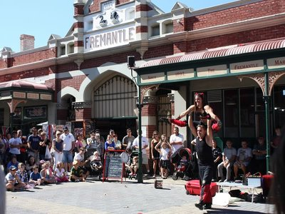 Street performers outside Fremantle Markets