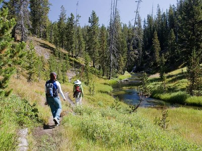 Trail to Shoshone Geyser Basin