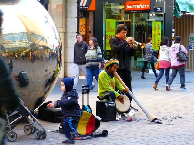 Buskers in Rundle Mall